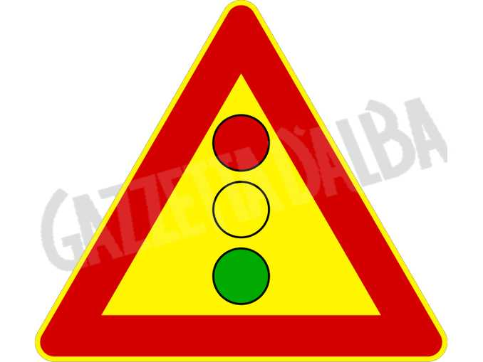 segnale semaforo provvisorio cantiere