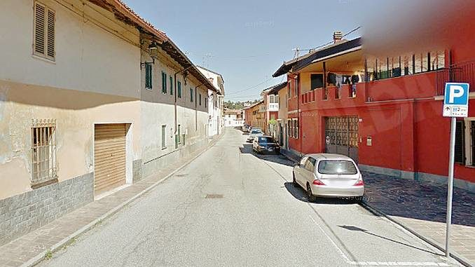 Un dosso artificiale e limite di velocità ridotto in via Oscar Milano a Sanfrè per la sicurezza dei pedoni