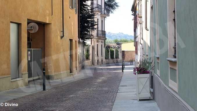 Nuovo porfido in via Giraudi ad Alba, da mercoledì sarà in vigore il divieto di accesso
