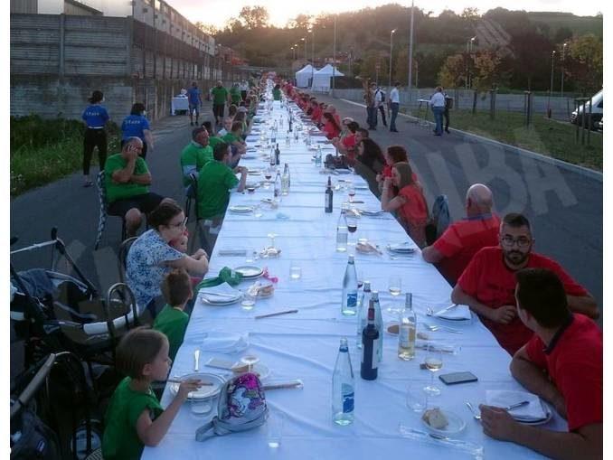 Cena tricolore a Canove di Govone per sostenere la Protezione civile 1