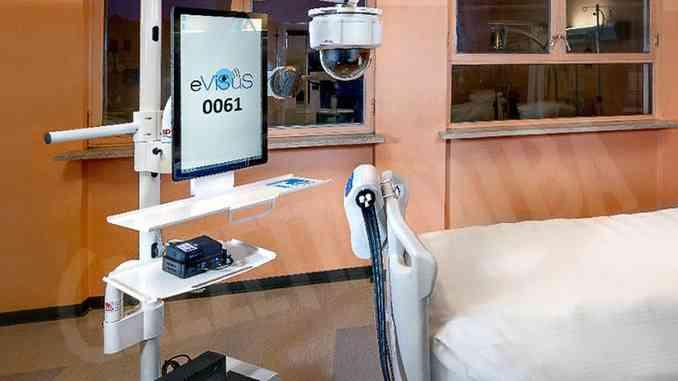 Evisus, il totem che permette le cure di vulnologia nelle case dei pazienti