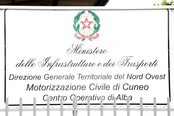 Taglio del nastro per rinnovato Centro Collaudi albese a piazzale Vitale Robaldo in frazione Mussotto (FOTOGALLERY)