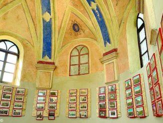 Sistemata la confraternita dei Battuti; al suo interno foto storiche del paese