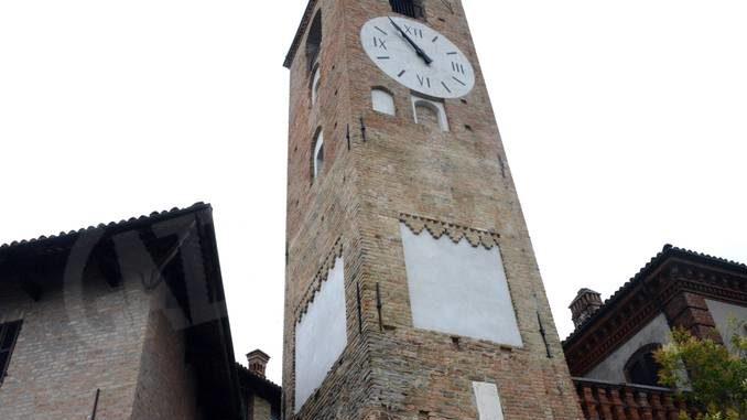 Neive: ora si può salire sulla torre dell'orologio restaurata