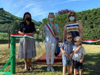 Inaugurato un nuovo gioco inclusivo al parco Corino di Santo Stefano Belbo 1
