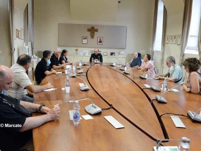 Il vescovo Brunetti ha incontrato una delegazione di dipendenti Miroglio 1
