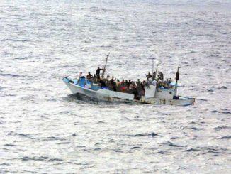 Ventisette migranti in arrivo da Lampedusa passeranno la quarantena a Castello d'Annone