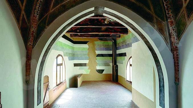 L'arte di David Tremlett ha ridato colore all'ex oratorio di Serravalle