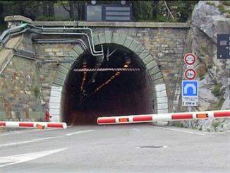 Tunnel di Tenda chiuso al transito per problemi alla linea elettrica