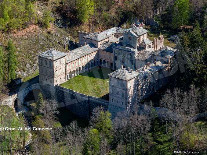 Castello Valcasotto – ph. R. Croci – Archivio ATL del Cuneese
