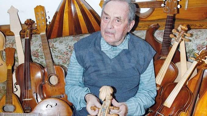 Dogliani: addio al falegname e liutaio autodidatta Valerio Gabutti 1