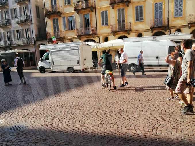 alba mercato piazza duomo2