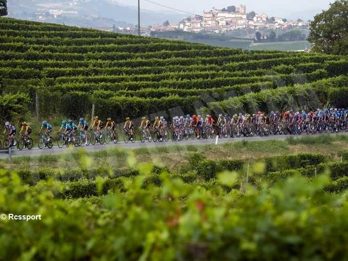 Cicliscmo, il Gran Piemonte di Barolo va a George Bennett; Sobrero tra i migliori