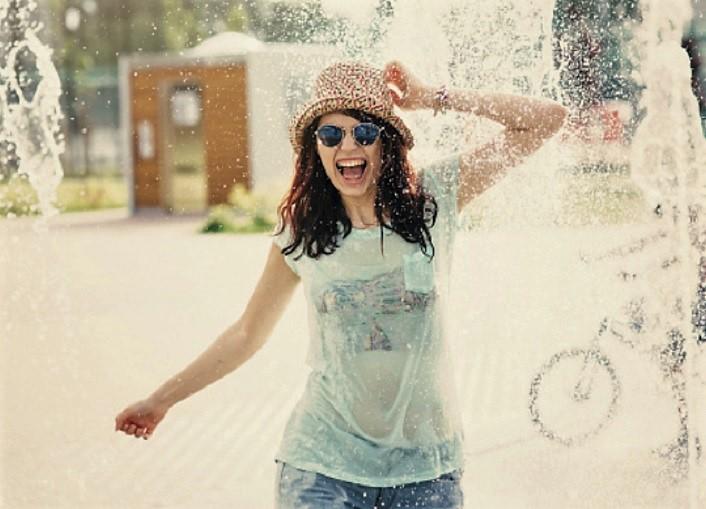 caldo – fontana – ragazza