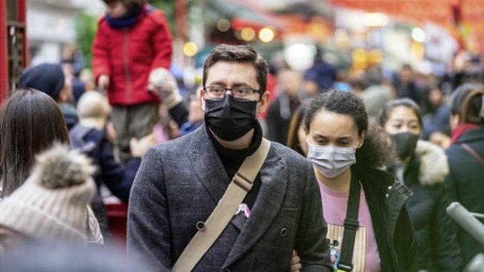 Covid: con le mascherine più ligi anche alla distanza sociale