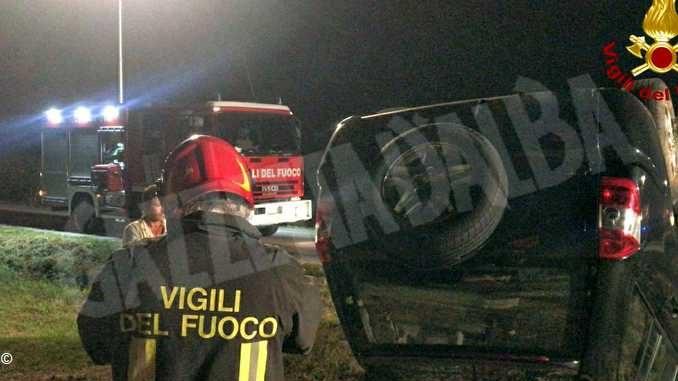 Fuori strada con la propria auto: donna soccorsa dai vigili del fuoco a Magliano Alpi