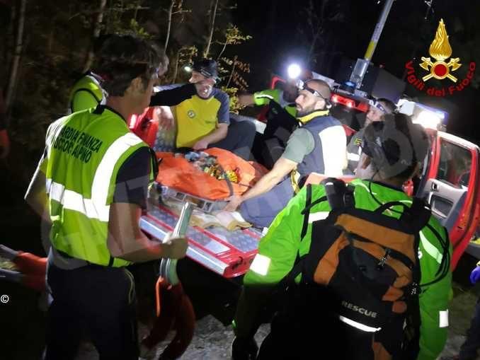 Cade mentre è al pascolo: ritrovata dai Vigili del fuoco, per lei solo ferite lievi