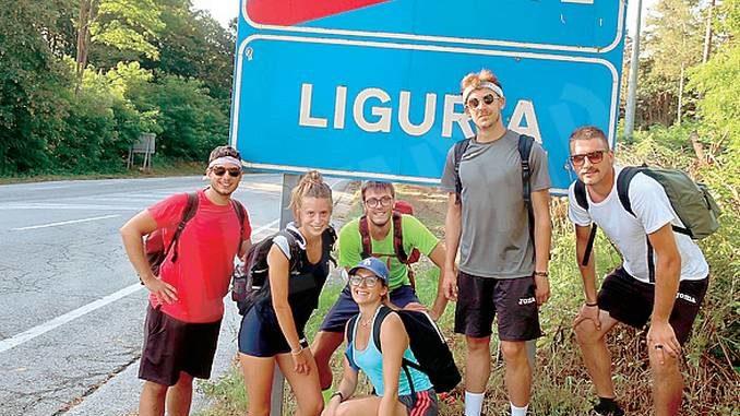 110 chilometri a piedi in due giorni da Montà alla Liguria