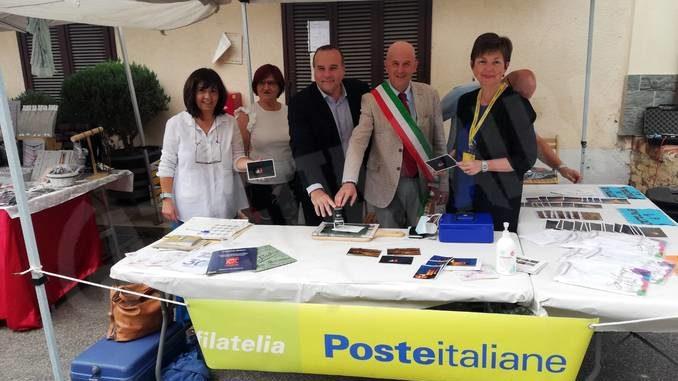 Poste italiane ha dedicato a Serralunga una cartolina e un annullo filatelico