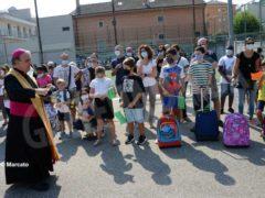 Una benedizione ai bambini per iniziare bene l'anno scolastico 9