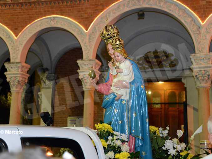 alba moretta processione 03