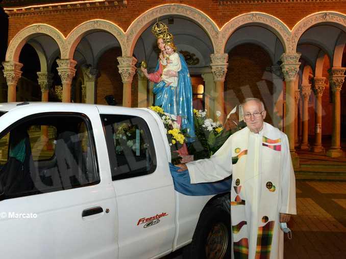 alba moretta processione 04
