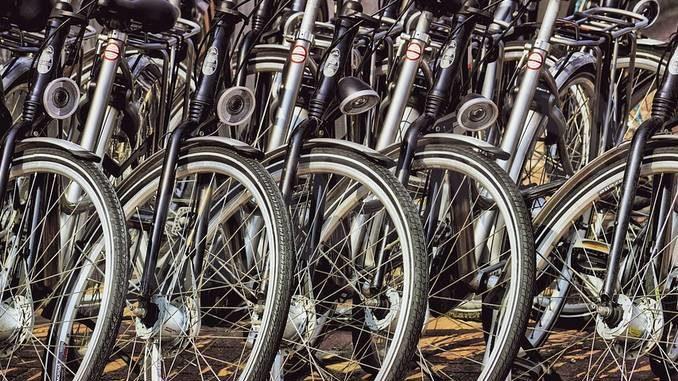 Ad Asti una domenica senza auto con pedalata nel centro cittadino