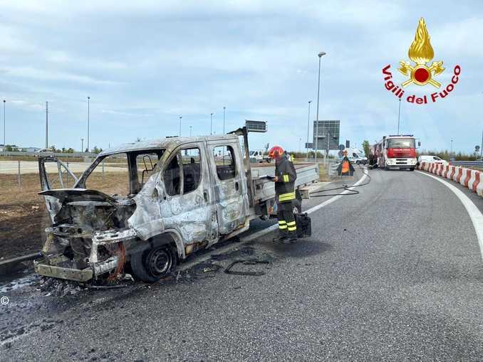 cuneo incendio furgone1