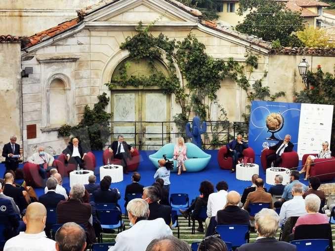 Palio degli asini attorno al Duomo ma senza pubblico 1