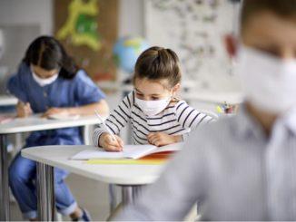 Il rientro a scuola preoccupa sette genitori su dieci