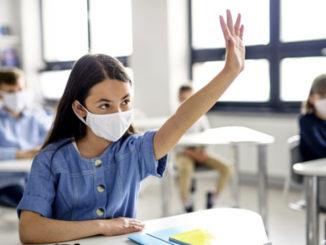 Coronavirus, contagi stabili. Rt in aumento di 0,4 con riapertura delle scuole