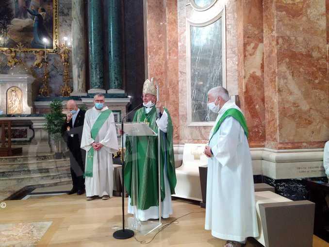 vescovo emerito Gabriele Mana