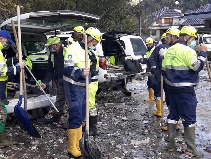 Dogliani volontari alluvione 2