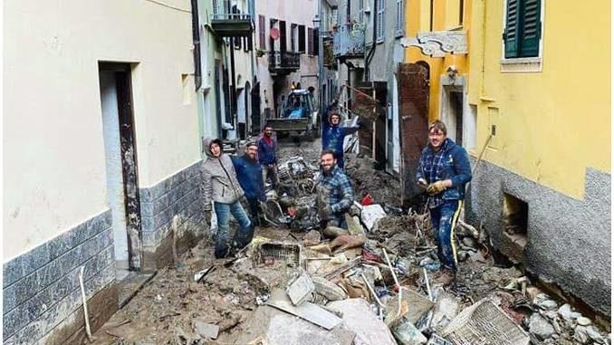I giocatori di rugby di Farigliano hanno dato un aiuto a Garessio 2