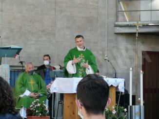"""Con la cerimonia del """"mandato"""" ai catechisti e animatori ai salesiani parte l'anno oratoriano 1"""