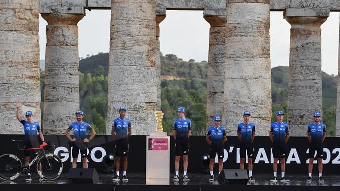 Scatta il Giro d'Italia. Sobrero: essere al via della corsa è una grande emozione