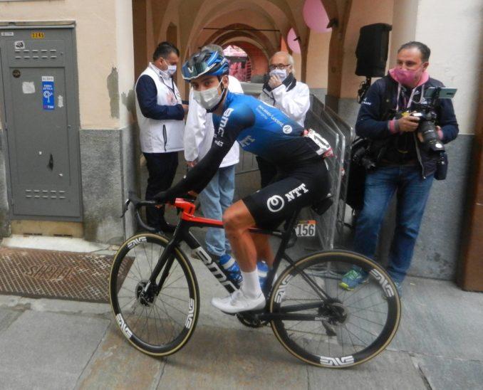 Giro d'Italia: nella tappa Alba-Sestriere Hindley indossa la maglia rosa 1