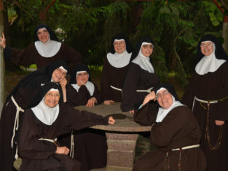 """Bra, Clarisse in festa: domani suor Agnese diventa figlia di S. Chiara """"per sempre"""""""
