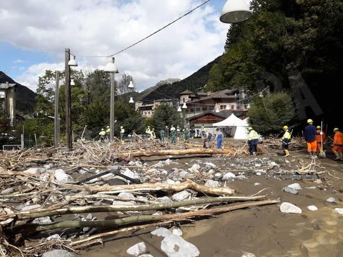 I volontari di Dogliani nelle zone alluvionate di Garessio, Ceva e Limone 2