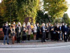 Inaugurato il monumento voluto dallo Zonta club di Alba per il centenario del sodalizio internazionale 4