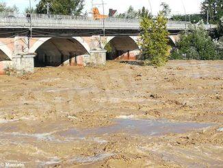 Maltempo: il Tanaro ha allagato i campi tra Alba, Roddi e Verduno