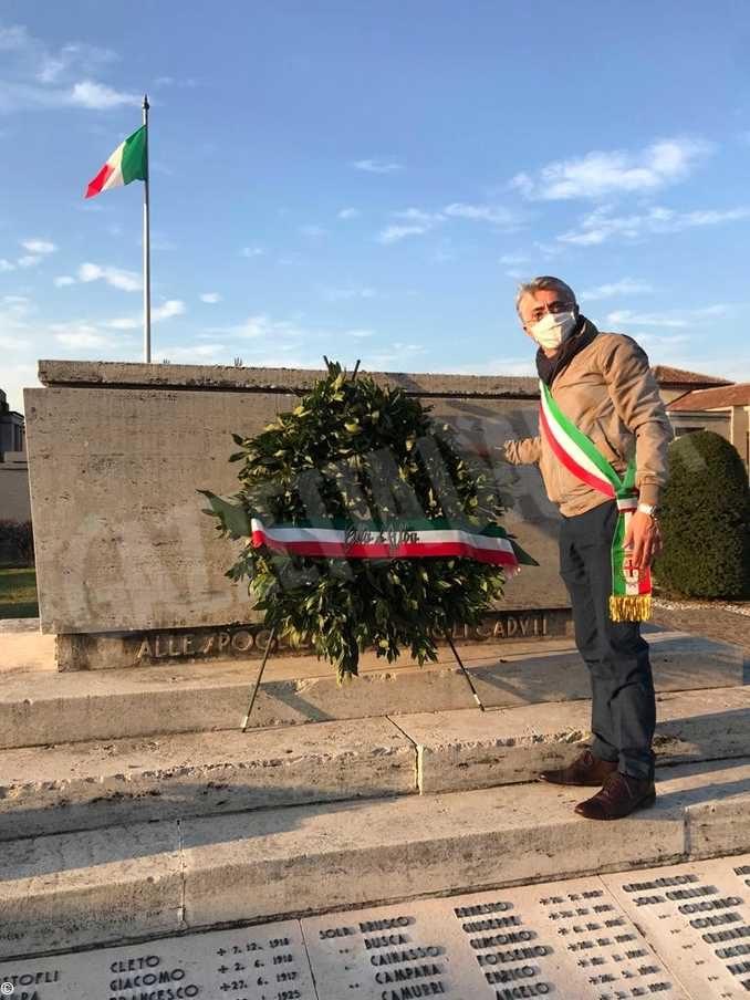 Corone d'alloro per la commemorazione del 4 novembre