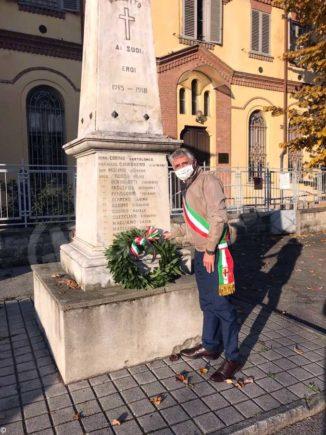 Corone d'alloro per la commemorazione del 4 novembre 2