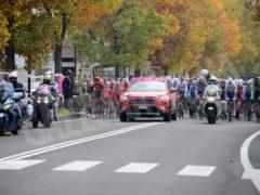 La partenza della tappa Alba-Sestriere (fotogallery) 2