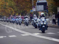 La partenza della tappa Alba-Sestriere (fotogallery) 3