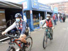 La partenza della tappa Alba-Sestriere (fotogallery) 10