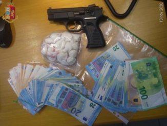 Spacciava droga in un bar di Santa Vittoria: arrestata assieme al compagno
