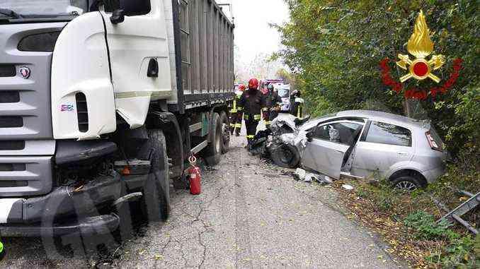 Auto contro camion a Villafalletto: ferito uno dei conducenti