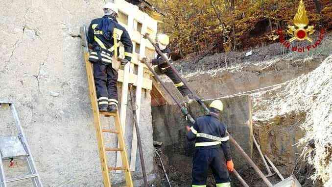 I Vigili del fuoco mettono in sicurezza la chiesa di San Pancrazio 1
