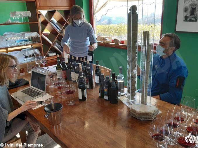La giornalista canadese Michaela Morris ospite del consorzio di promozione I vini del Piemonte 1